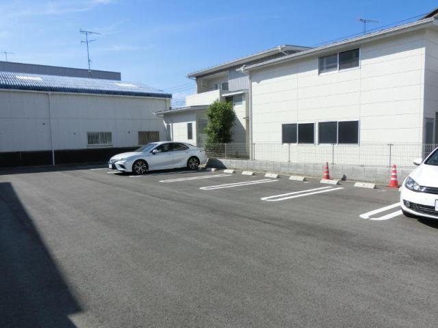 山路クラール駐車場の外観写真