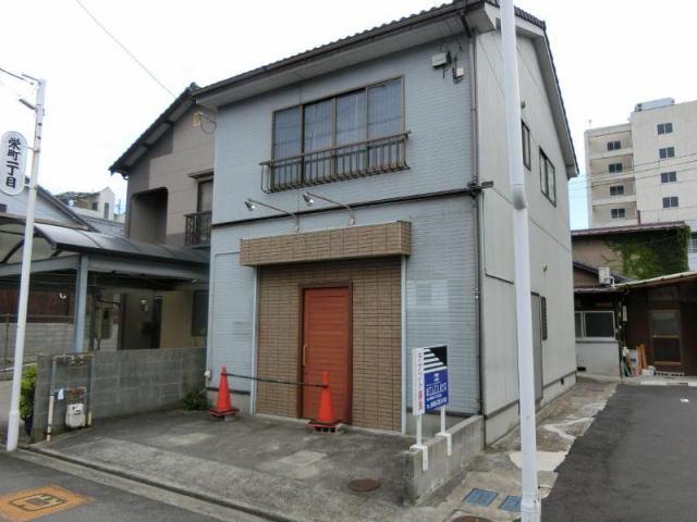栄町平岡テナントの外観写真