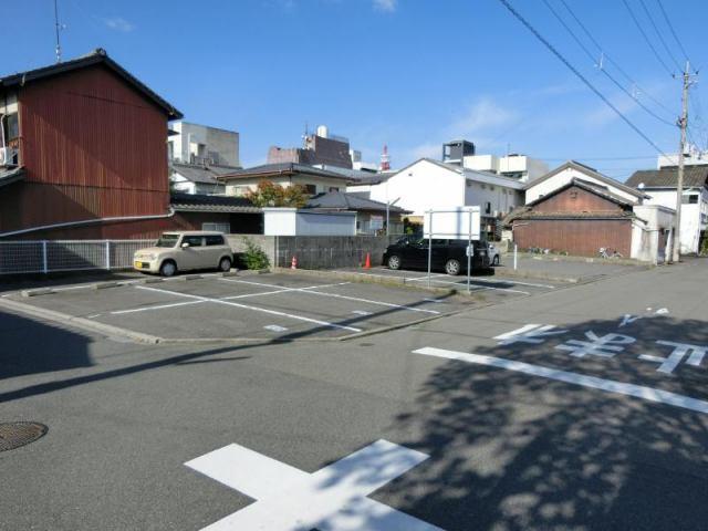 山田月極駐車場の外観写真