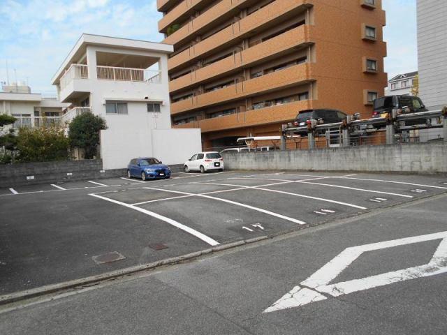 伊予鉄古町月極駐車場の外観写真