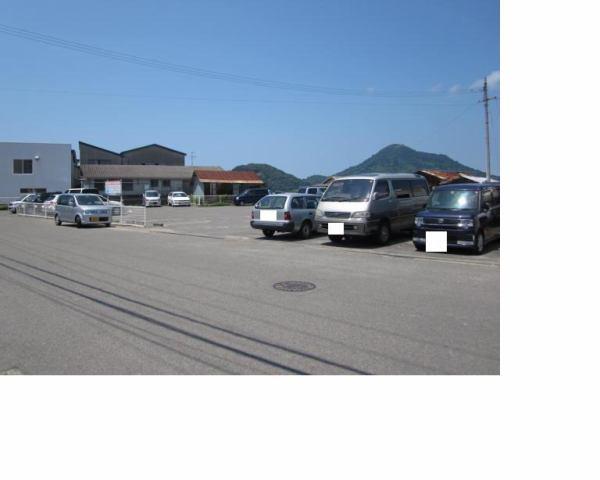 伊予鉄高浜第1月極駐車場の外観写真