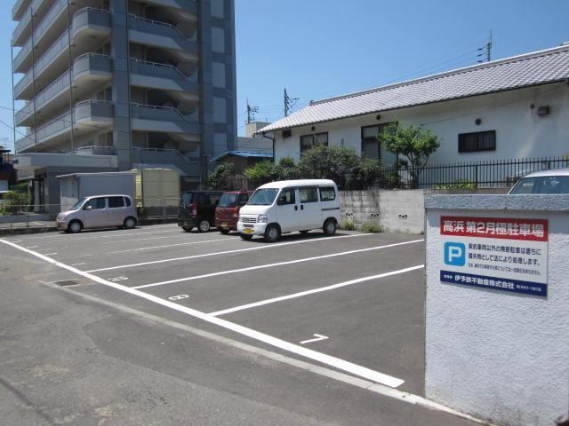 伊予鉄高浜第2月極駐車場の外観写真