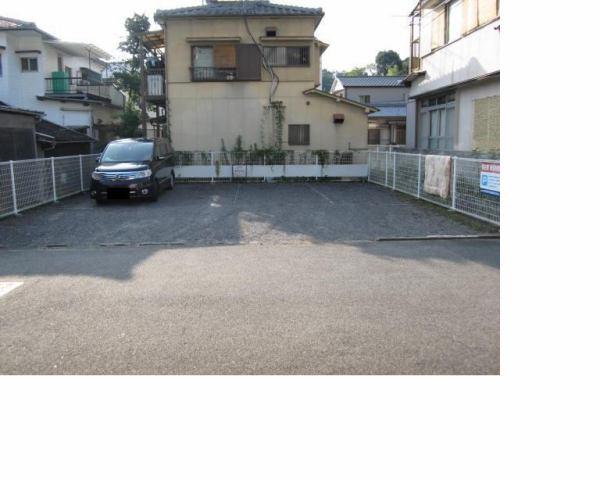 伊予鉄祝谷第5月極駐車場の外観写真