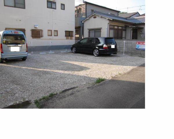 伊予鉄祝谷第7月極駐車場の外観写真