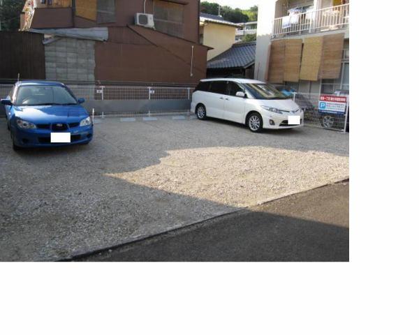 伊予鉄祝谷第8月極駐車場の外観写真