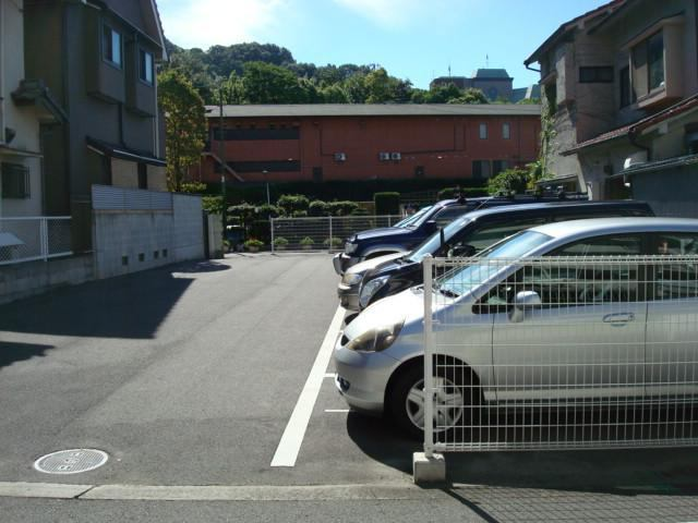 伊予鉄祝谷第11月極駐車場の外観写真