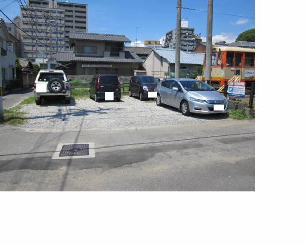 伊予鉄道後湯之町月極駐車場の外観写真