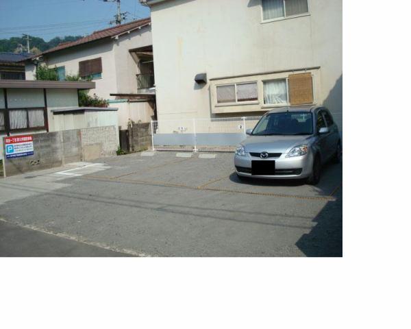 伊予鉄祝谷第12月極駐車場の外観写真