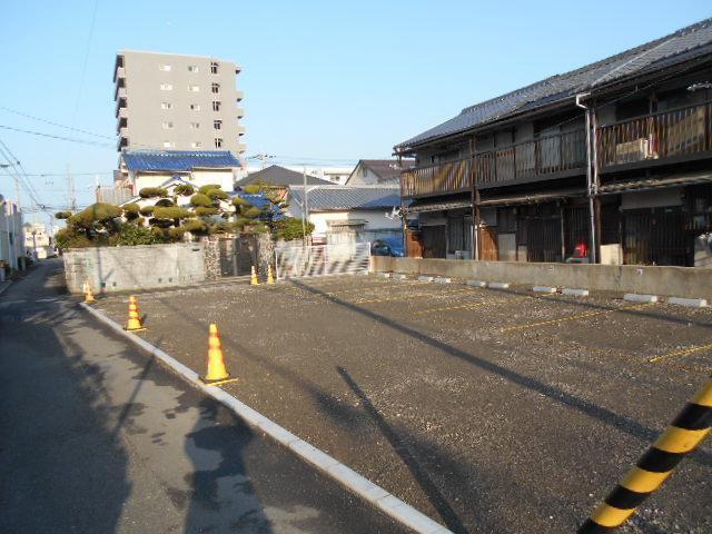 伊予鉄道後湯之町第2月極駐車場の外観写真