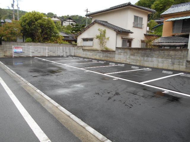 伊予鉄祝谷第14月極駐車場の外観写真