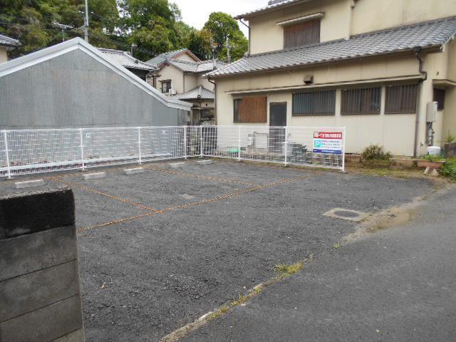 伊予鉄祝谷第16月極駐車場の外観写真