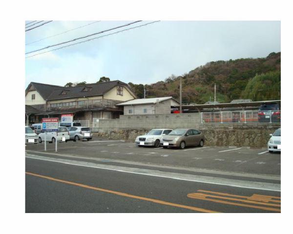 伊予鉄高浜駅南第3月極駐車場の外観写真