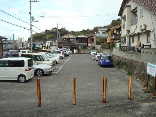 伊予鉄高浜駅東第1月極駐車場の外観写真