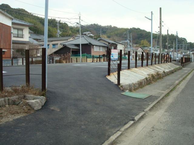 伊予鉄高浜駅東第2月極駐車場の外観写真