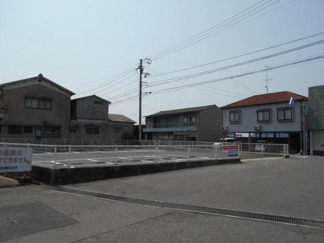 伊予鉄高浜駅北月極駐車場の外観写真
