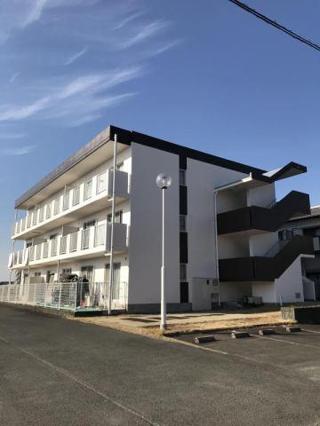 キャッスル塩塚一番館の外観写真