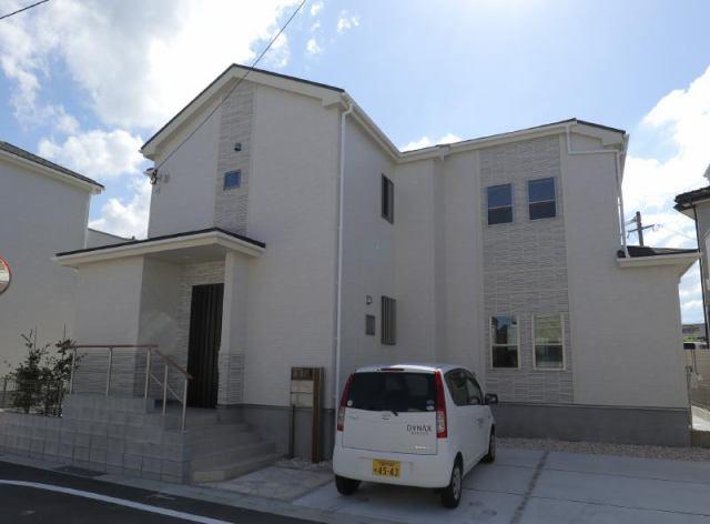 ブルーミングガーデン白山町 8号棟の外観写真