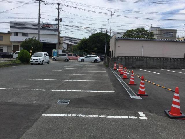 (諏訪野町)井上駐車場の外観写真