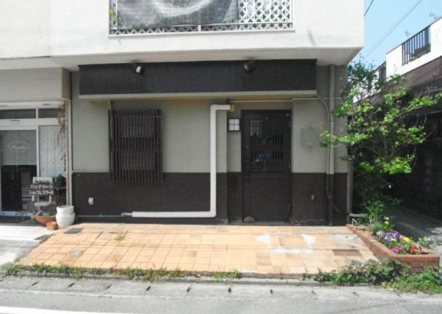 諏訪野町店舗の外観写真