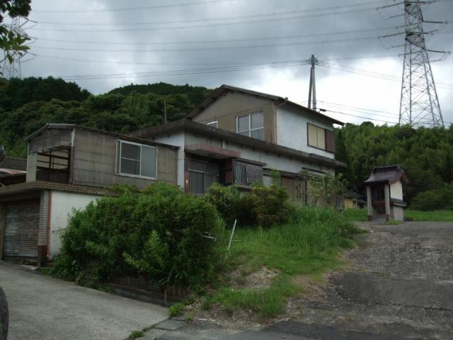 山本・三好中古住宅の外観写真