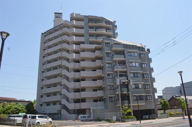 ロワールマンション唐津中央の外観写真