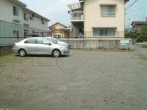 荏隈町月極駐車場