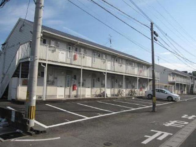 車も停めやすい駐車場で木花駅まで徒歩3分です♪