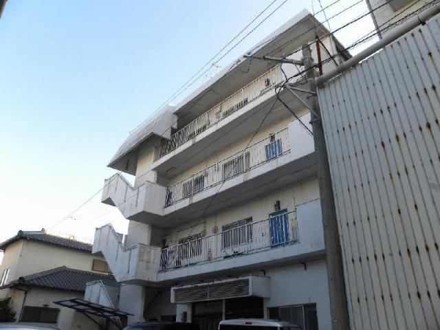 八紘マンションの外観写真