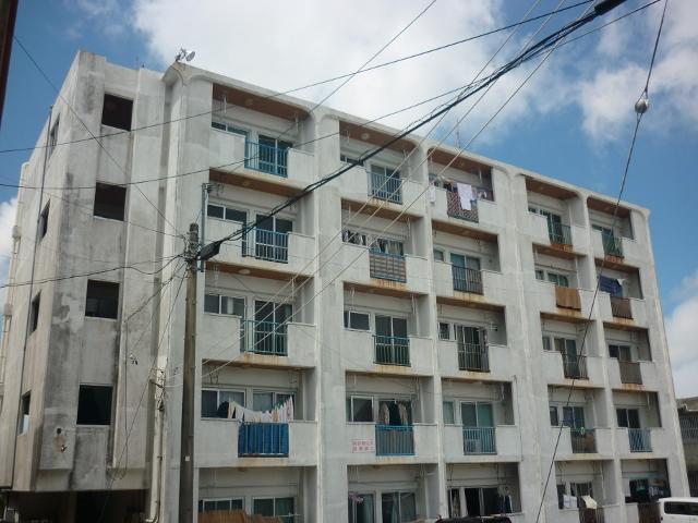 東海産業アパートの外観写真