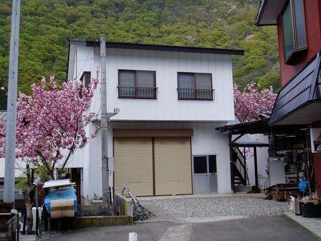 福島県南会津郡下郷町湯野上字居平の外観写真