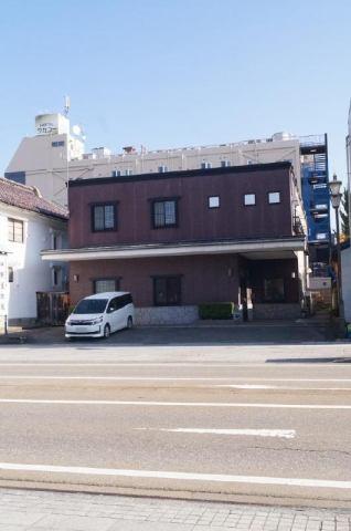 東栄町中野屋店舗の外観写真