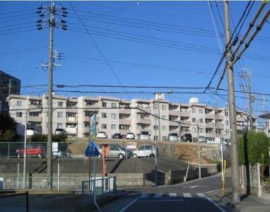 蜂鸣器公寓南面栋名古屋市绿区鸣子町1丁目3LDK蜂鸣器公寓南面栋的外观照片