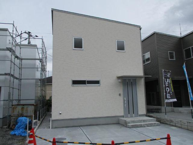 有限会社グローバル住宅 外観写真 高知市佐々木町 新築  ウッドデッキのある家の外観写真