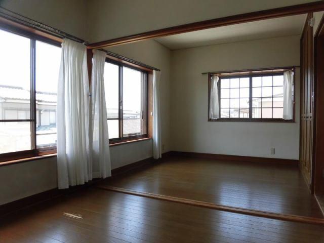 有限会社グローバル住宅 内観写真 2階洋室 間仕切りも可能
