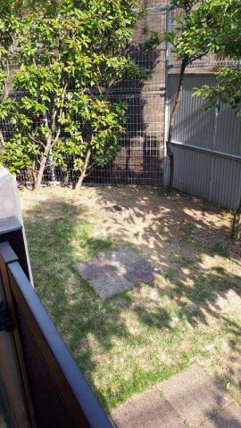 有限会社グローバル住宅 内観写真 1階の為、専用庭が付いています