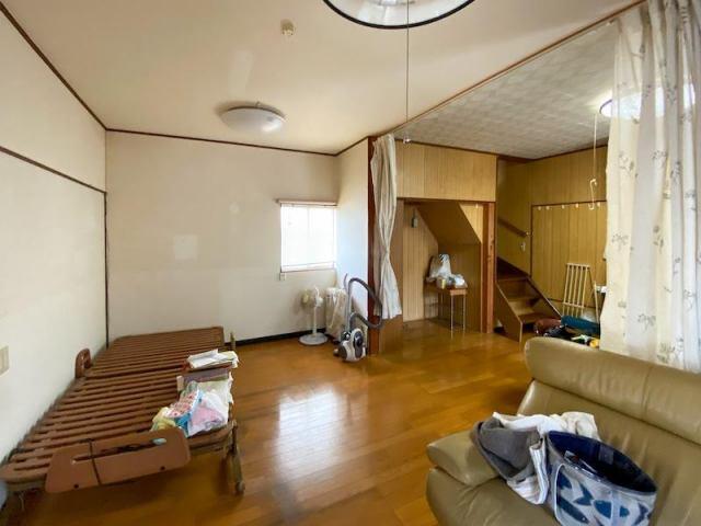有限会社グローバル住宅 外観写真 高知市百石町 車3台駐車可 中古戸建の外観写真