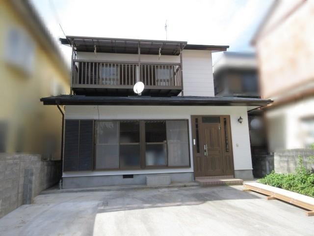 有限会社グローバル住宅 外観写真 高知市神田 内外装リフォーム済戸建の外観写真