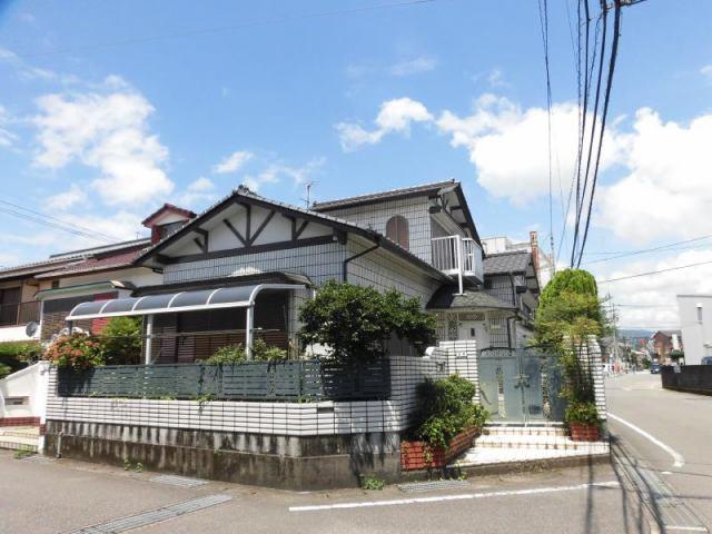 有限会社グローバル住宅 外観写真 高知市朝倉東町 中古住宅 南東角地