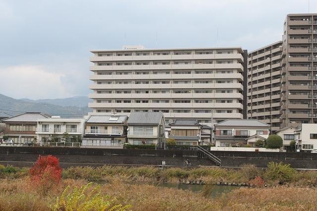 有限会社グローバル住宅 外観写真 アルファライフ鏡川 駐車場無料 南向きの外観写真