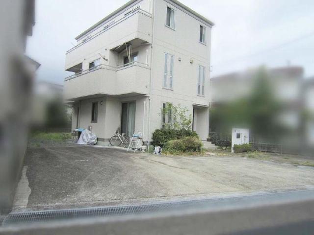 有限会社グローバル住宅 外観写真 高知市西久万 初月小学校区 中古一戸建て 8LDKの外観写真