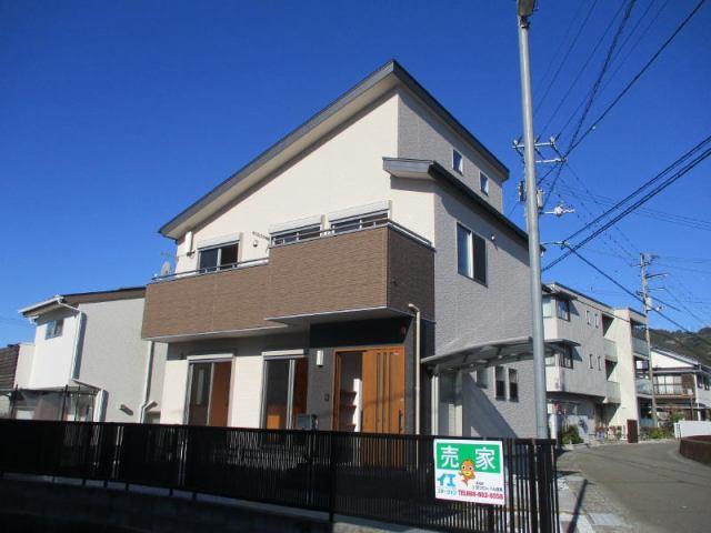 有限会社グローバル住宅 外観写真 広々土地で洗練された家のデザイン 日当たり良好