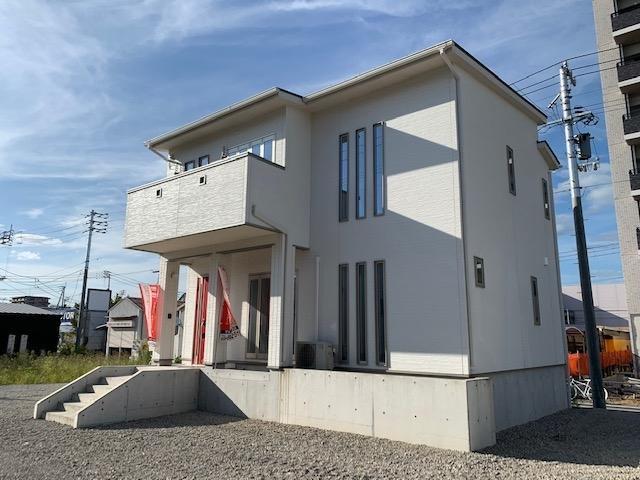 有限会社グローバル住宅 外観写真 高知市海老ノ丸 新築一戸建て 3LDK 南向きの外観写真