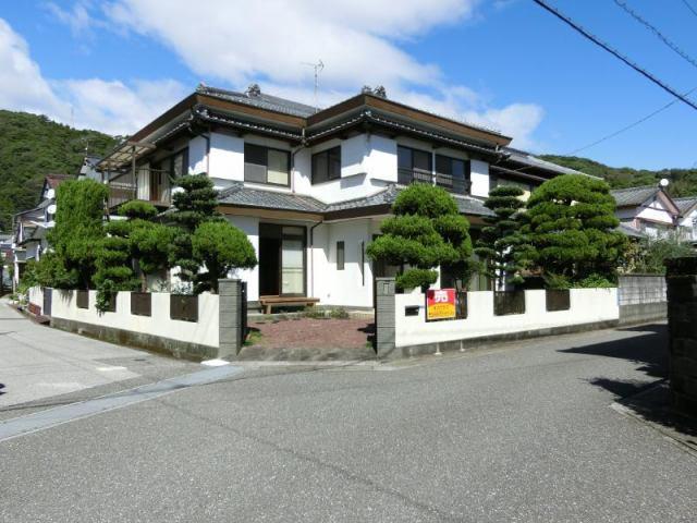 有限会社グローバル住宅 外観写真 高知市十津 中古住宅 二世帯住宅としても 7DKの外観写真