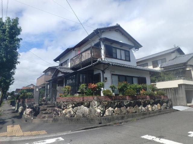 有限会社グローバル住宅 外観写真 高知市横浜新町 中古住宅 角地 敷地63坪の外観写真
