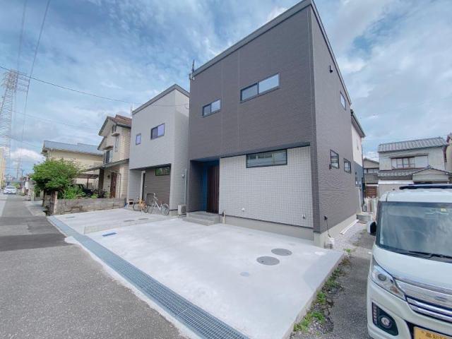 有限会社グローバル住宅 外観写真 高知市中万々 耐震等級3相当 新築一戸建ての外観写真