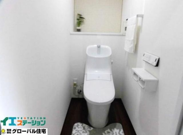 有限会社グローバル住宅 内観写真 ウォシュレットトイレも新品に交換しピカピカです