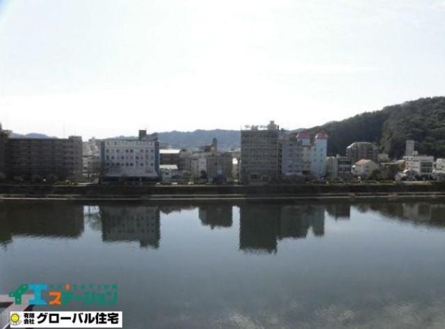 有限会社グローバル住宅 内観写真 目の前に広がる鏡川ヴューを毎日楽しめます