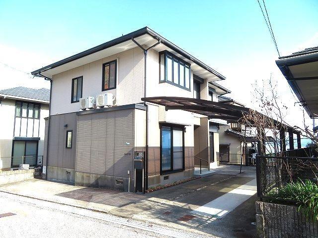 有限会社グローバル住宅 外観写真 高知市潮見台 中古住宅 4LDKの外観写真