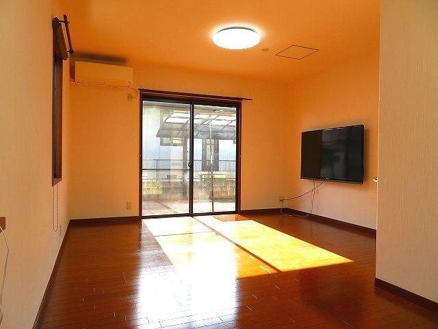 有限会社グローバル住宅 内観写真 高知市潮見台 中古住宅 4LDKの内観写真
