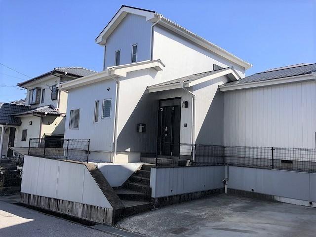 有限会社グローバル住宅 外観写真 高知市潮見台 中古住宅 3SLDKの外観写真